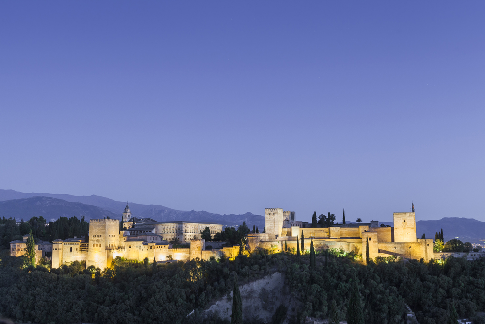 spain-luxury-travel-incoming-dmc-concierge-andalusia-granada-alhambra-night