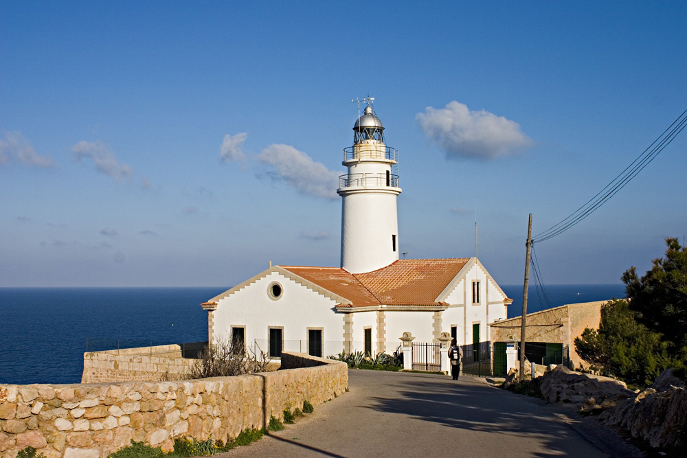 spain-luxury-travel-incoming-dmc-concierge-balearic-islands-lighthouse