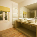 010201-spain-bcn-garrotxa-villa-luxury-bano-room5-bathroom5b