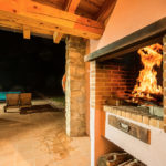 010201-spain-bcn-garrotxa-villa-luxury-barbacoa-bbq-porche-porch3