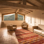 010201-spain-bcn-garrotxa-villa-luxury-salon-sittingroom-3-open-air