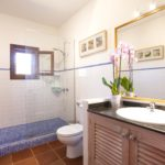 010402-spain-balearic-islands-formentera-luxury-villa-bathoom-bano-1