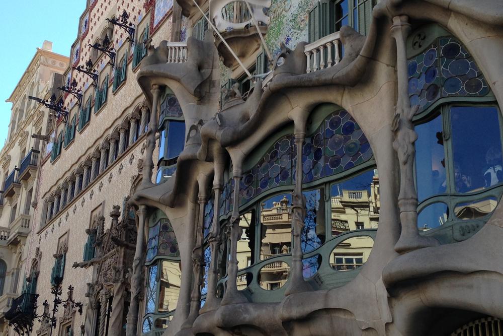 barcelona-spain-luxury-travel-incoming-dmc-concierge-gaudi-modernism-casa-batllo-architecture