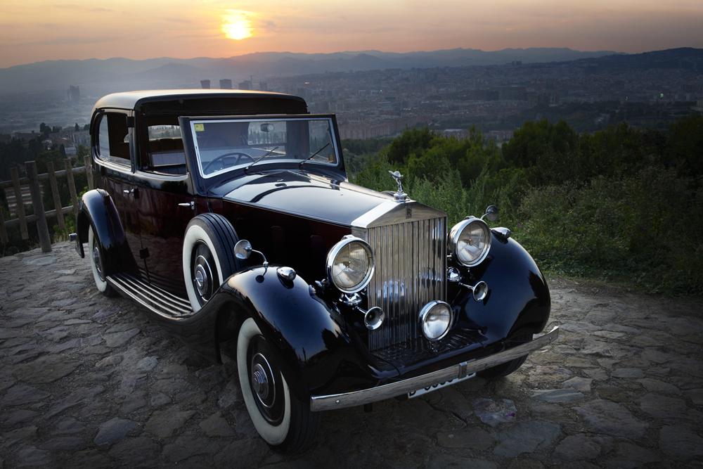barcelona-spain-luxury-travel-incoming-dmc-concierge-vintage-car-2