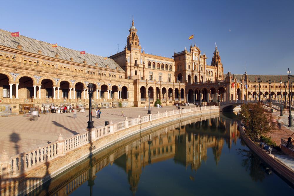©tourspain Sevilla. Plaza de España  - Vista parcial con el canal