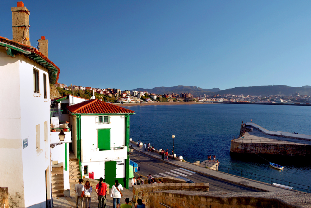 spain-luxury-travel-concierge-dmc-euskadi-getxo-old-port