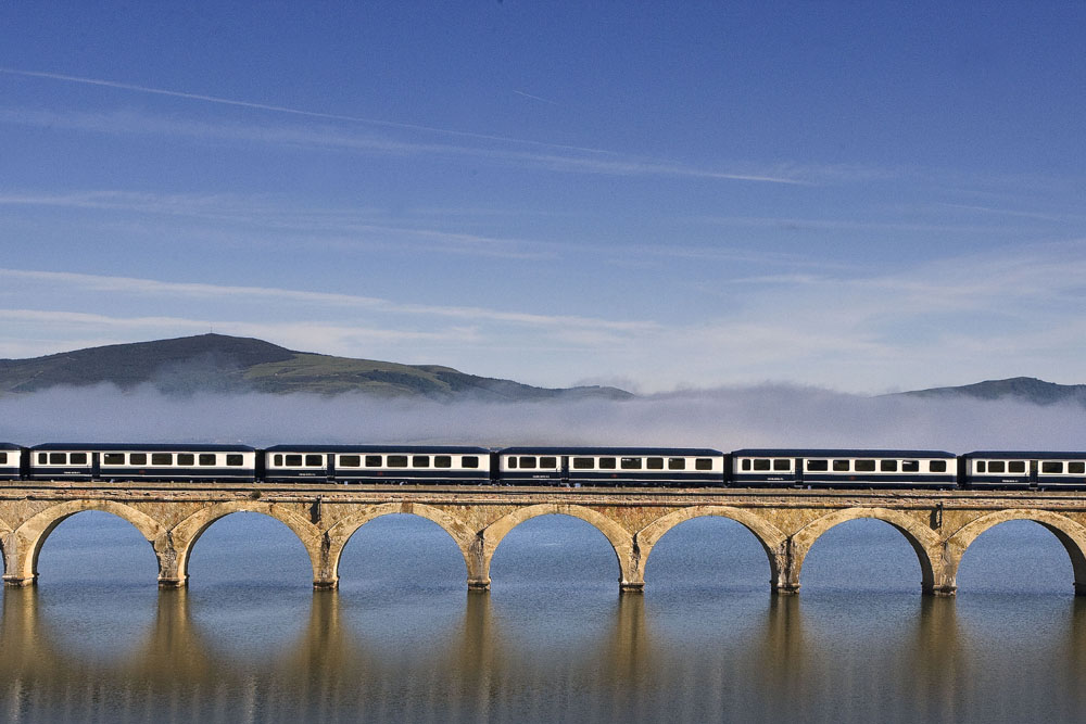 ©renfe spain-luxury-travel-dmc-tours-train-transcantabrico-11