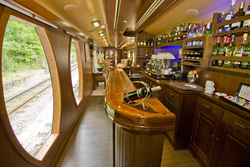 ©renfe spain-luxury-travel-dmc-tours-train-transcantabrico-7
