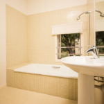 010201-spain-bcn-garrotxa-villa-luxury-bano-room-10-bathroom-10-West-Bathroom