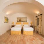 010201-spain-bcn-garrotxa-villa-luxury-habitacion-room1
