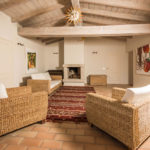 010201-spain-bcn-garrotxa-villa-luxury-salon-sittingroom-3b-open-air