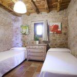 010402-spain-balearic-islands-formentera-luxury-villa-bedroom-habitacion-1.jpg