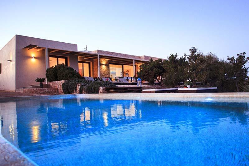 010404-spain-balearic-islands-formentera-luxury-villa-outdoor-night-noche-1