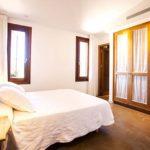 010405-spain-balearic-islands-formentera-luxury-villa-bedroom-habitacion-2b