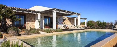 010405-spain-balearic-islands-formentera-luxury-villa-outdoor-swimmingpool-piscina-1