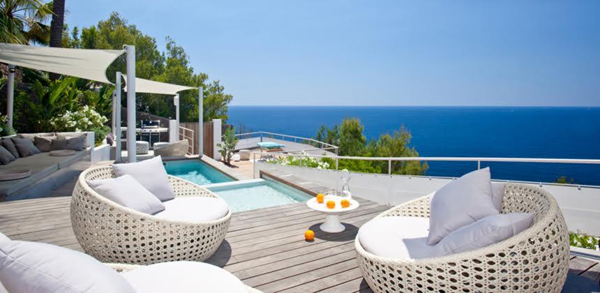 5 razones para alquilar una villa en España